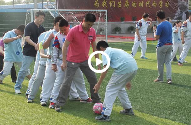 北京电视台报道:运动从小块头抓起 智体学走进八一中学